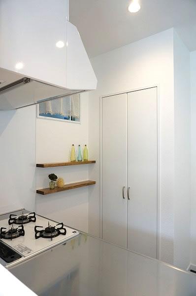 倉敷市 黒と白のお洒落な家・キッチン